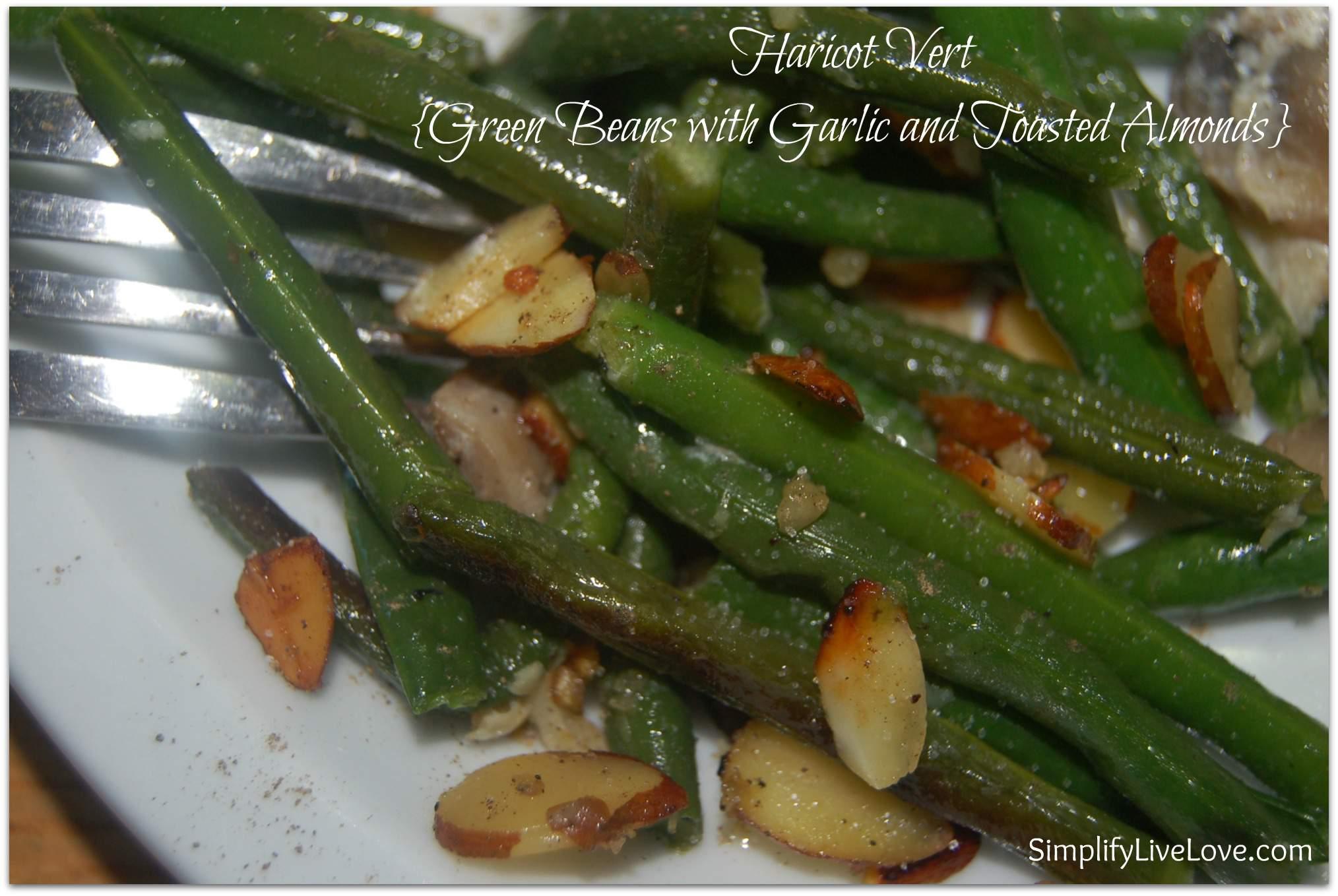 haricot vert - green beans with garlic & toasted almonds