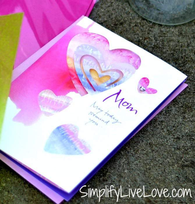 Make a meaningful mothers day gift - Simplify Live Love