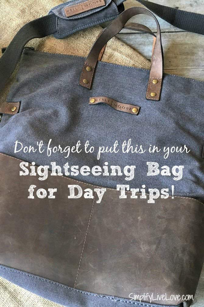 Sightseeing bag packing tips for day trips. Make sure you don't forget what you'll need with these 5 Tips for Packing a Sightseeing Bag for Day Trips
