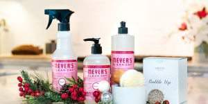 Get Your FREE Mrs. Meyer's Holiday Cleaning Kit!