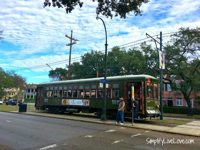Street Car to the Garden District in New Orleans