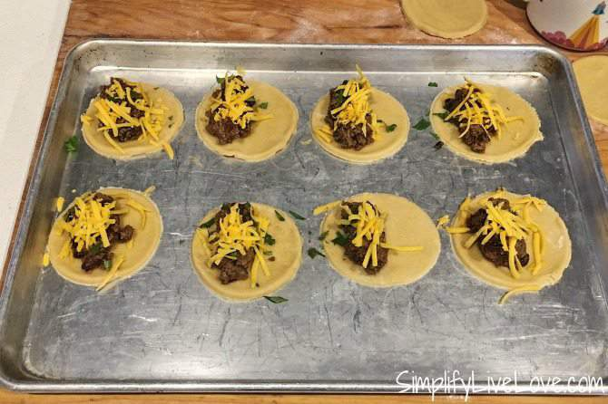 taco empanadas - add toppings