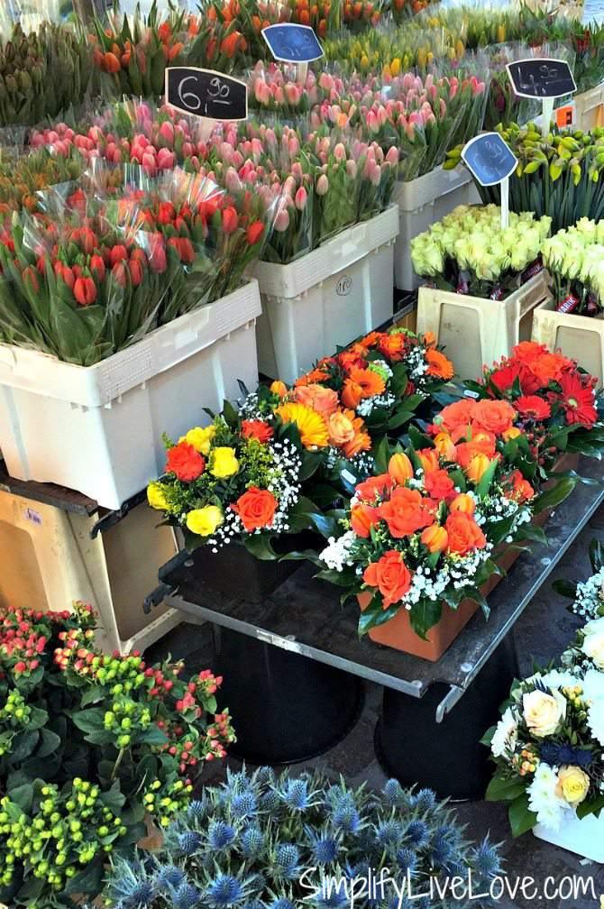 A flower stand on the Heidelberg Hauptstrasse