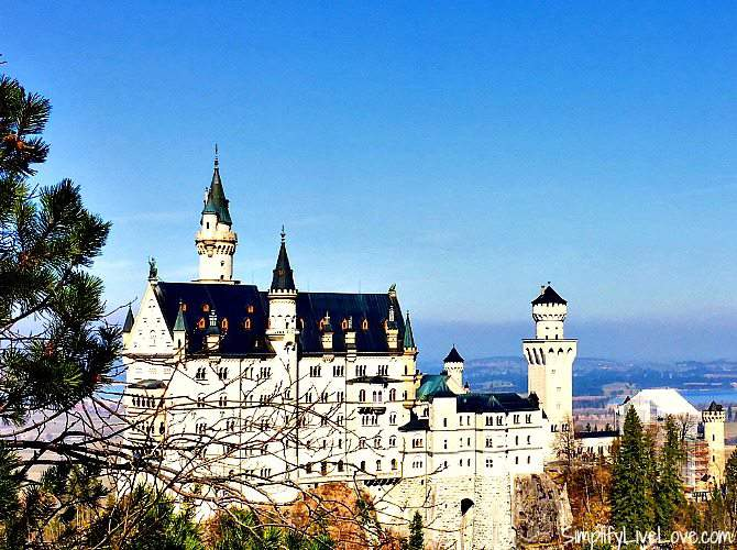 Visiting Neuschwanstein with kids