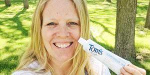 Whiten Teeth Naturally with Tom's of Maine Luminous White Toothpaste