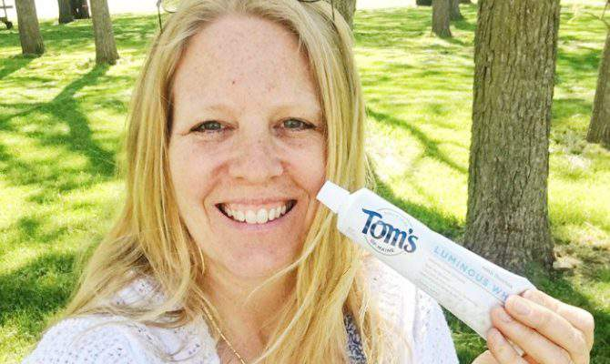 Whiten Teeth Naturally with Tom's of Maine Luminous White Toothpaste