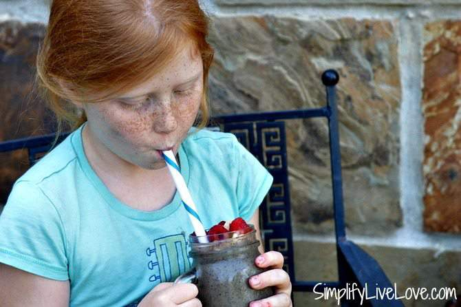 Green smoothies for the freezer to simplify back to school