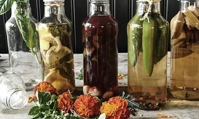 5 Homemade Gourmet Vinegar Flavors to Make Easily at Home